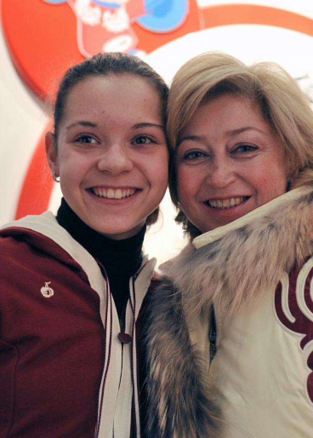 Сейчас работает тренером в ЦСКА, тренировала Олимпийскую чемпионку Аделину Сотникову.