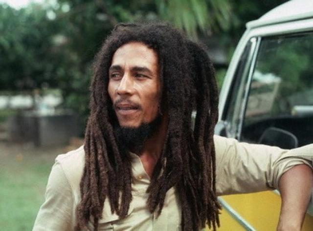 До этого Боб Марли уже уезжал из Ямайки в США, но возвращался.