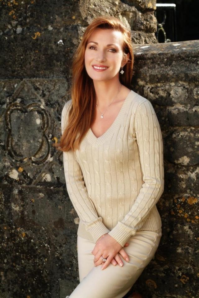 """Джейн Сеймур. В 1987 году одна из """"девушек Бонда"""" и звезда сериала """"Доктор Куин: Женщина-врач"""" перенесла укол пенициллина, который оказался для нее практически смертельным из-за внезапной аллергической реакции."""