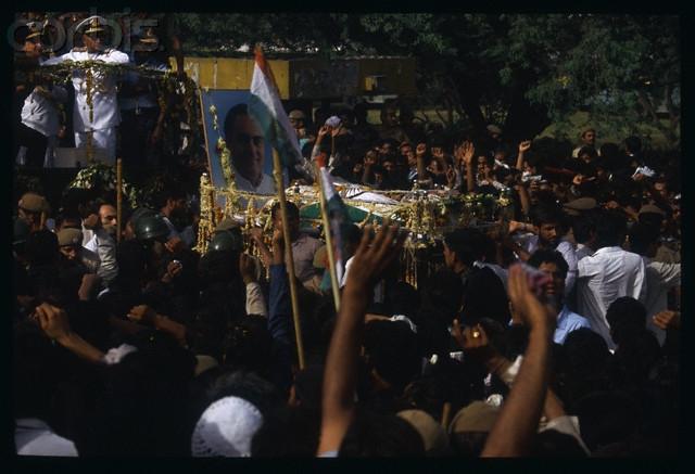 Индия с 1987 года вмешивалась в борьбу с националистами из ТОТИ, в том числе направляя в сопредельное государство войска.