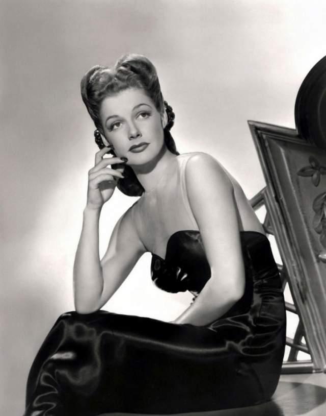 """Энн Шеридан, 1915-1967. Актриса стала на долгие годы воплощением """"вечного Голливуда"""": строгого, утонченного, но не скучного."""