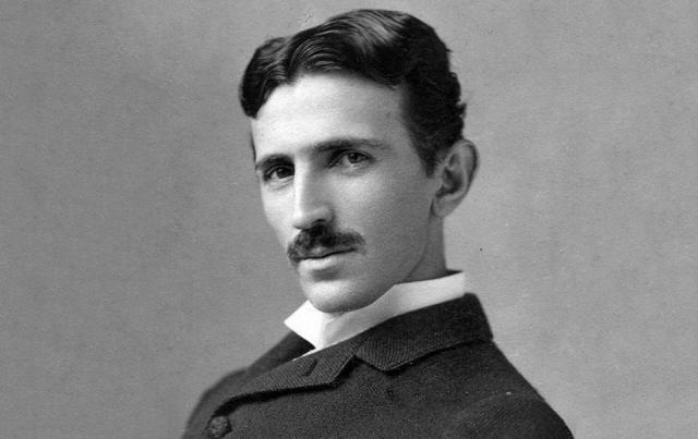 Никола Тесла. Повелитель электричества панически боялся грязи и микробов, мыл руки десятки раз в день и отказывался прикасаться к поверхностям.