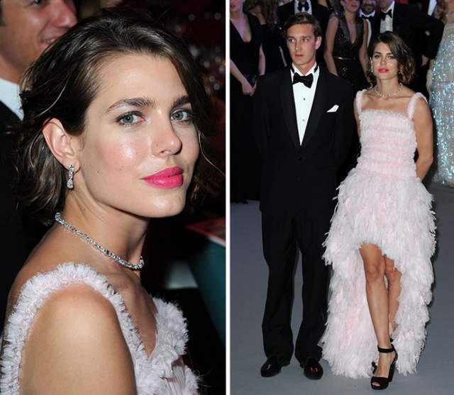 Шарлотта четыре года жила с актером Гадом Эльмалехом, от которого родила сына Рафаэля.