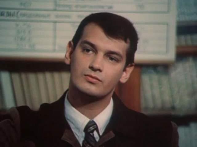 Второй сын Ростислава- Владимир актер театра и кино по образованию, 10 лет отыгравший на одной сцене с отцом. Позже, не узнав вкус славы, Владимир создал кинокомпанию и стал самым известным белорусским клипмейкером.