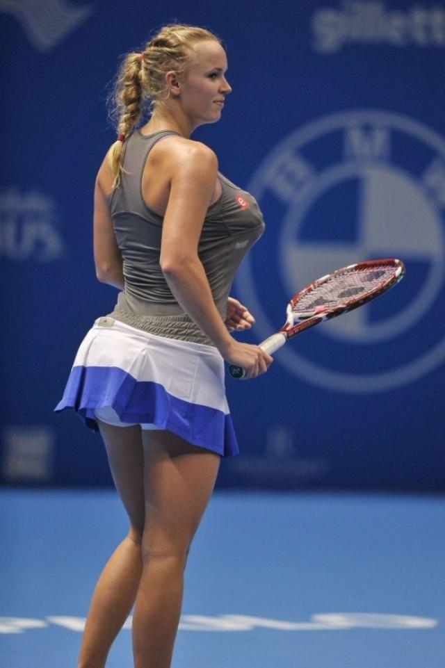 Каролин Возняцки. Когда знаменитая теннисистка спародировала пышные формы своей соперницы – чернокожей американки Серены Уильямс, ее сразу же обвинили в расизме.