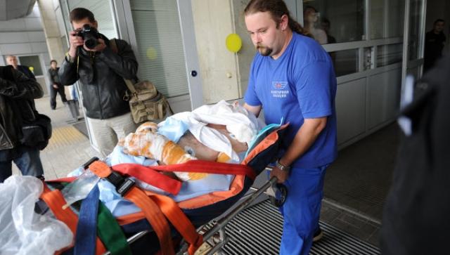 Выжили только двое - хоккеист Александр Галимов и бортпроводник Александр Сизов. Александр Галимов, после катастрофы госпитализированный в крайне тяжелом состоянии с ожогами, по разным данным, 80 или 90% процентов тела, умер 12 сентября, через 5 дней после катастрофы.