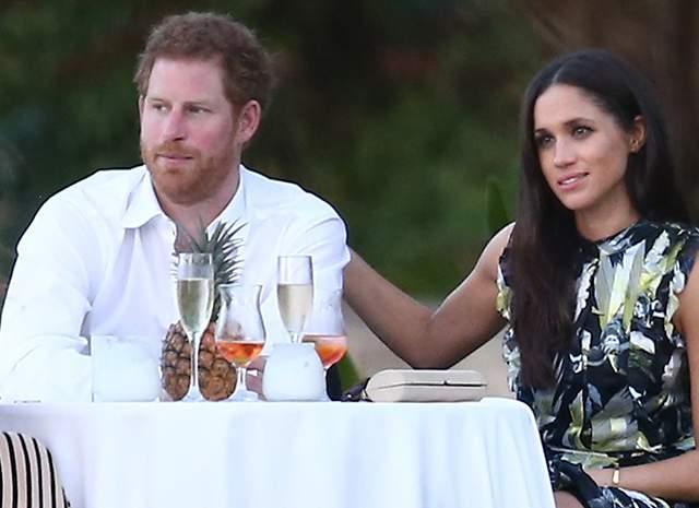Меган Маркл и принц Гарри официально объявили о помолвке . Свадьба состоится весной 2018 года.