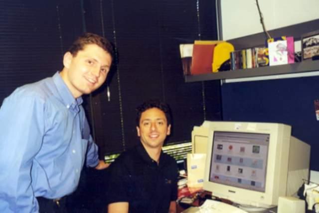 Ларри Пэйдж и Сергей Брин. Знаете ли вы, что всемирно известная поисковая система получила такое название совершенно случайно? Вначале поисковая система носила имя BackRab.