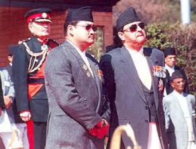 Одним из первых, кто сообщил о случившемся, был вице-премьер Рама Чандра Поудел. Он же и поведал представленную первую версию убийства.