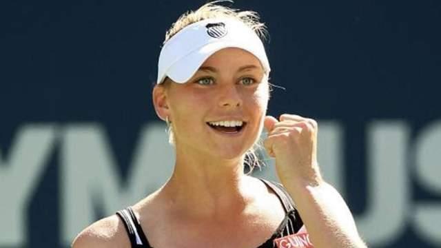 Вера Звонарева Весь мир узнал о девушке в 2003 году, когда 18-и летняя россиянка дошла до четвертьфинала Открытого чемпионата Франции. Годом позже она выиграла Открытый чемпионат США в смешанном парном разряде, а в 2006 году - Уимблдонский турнир в смешанном парном разряде. С начала карьеры Вера заработала в качестве призовых почти $12 млн, а в 2010 добралась до второй позиции в женской теннисной классификации и заработала $3,2 миллиона.