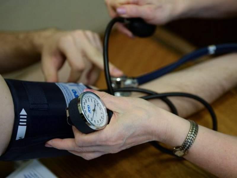 Новости дня: Медики дали совет, как пережить аномальное атмосферное давление