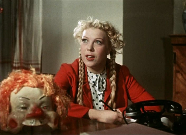 """Тамара Носова. Актриса запомнилась ролью Тоси в """"Карнавальной ночи"""", а также игрой в таких ярких картинах, как """"Женитьба Бальзаминова"""", """"Здравствуйте, я ваша тетя"""" и, конечно, """"Свадьба в Малиновке"""", а также ."""
