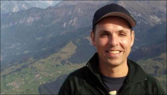 7. Авиакатастрофа в Альпах – пилот-самоубийца Андреас Любитц. 24 марта авиалайнер Airbus A320-211 немецкой компании Germanwings выполнял рейс из Барселоны в Дюссельдорф. Спустя полчаса после взлёта самолёт внезапно перешёл в быстрое снижение и через 10 минут врезался в горный склон в Прованских Альпах, в результате чего все находившиеся на борту 150 человек погибли. Французские следователи объявили, что второй пилот рейса 9525 Андреас Любиц умышленно перевёл самолёт в режим снижения.