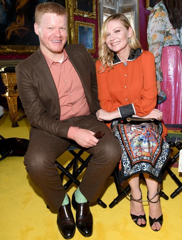 "Кирстен Данст и Джесси Племонс. Актриса, за плечами которой отношения со многими красавцами Голливуда, начала романтические отношения с коллегой по сериалу ""Фарго""."