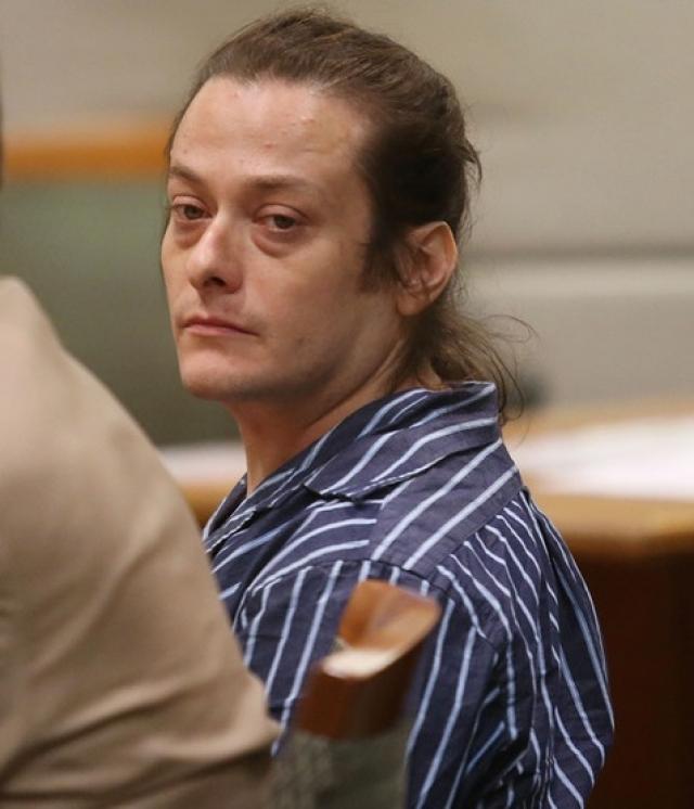 В 2010 году Ферлонга задержали за побои, которые он наносил своей подружке. Суд запретил Эдварду приближаться к бывшей возлюбленной, однако в 2013-м актер нарушил судебный запрет, за что отправился в тюрьму на пол года.