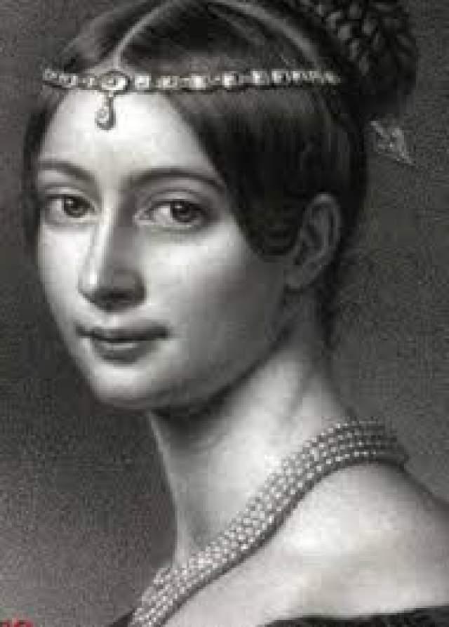 Однако через год Тютчев вновь женится, на Эрнестине Дернберг (урожденной Пфеффель).