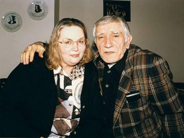 Армен Джигарханян. Только ленивый не обсуждал развод 79-летнего актера и его супруги Татьяны Власовой после 40 лет брака из-за молодой Виталины Цымбалюк-Романовской.
