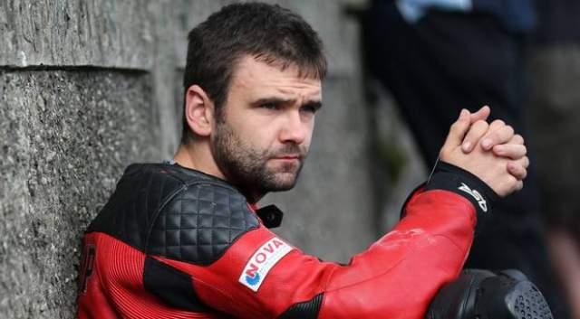 Известно, что в тот день он тренировался, готовясь к гонкам Skerries 100 Road Racers.