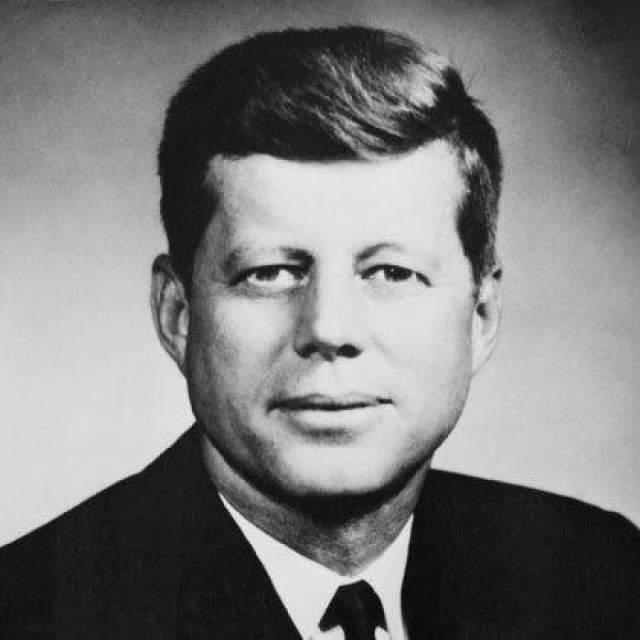 Сын Джон Кеннеди, президент США. Застрелен 22 ноября 1966 года. (46 лет)