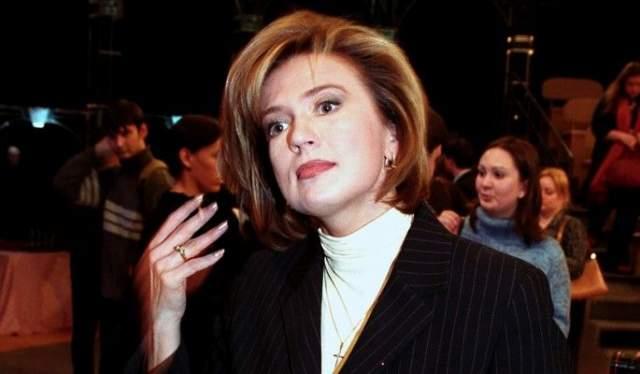 """Светлана Сорокина. С 1991 по 1997 годы -политический обозреватель, ведущая ежедневной информационной программы """"Вести"""". Особую известность получили фирменные """"прощалки"""" Сорокиной, которыми она закрывала каждый выпуск """"Вестей""""."""