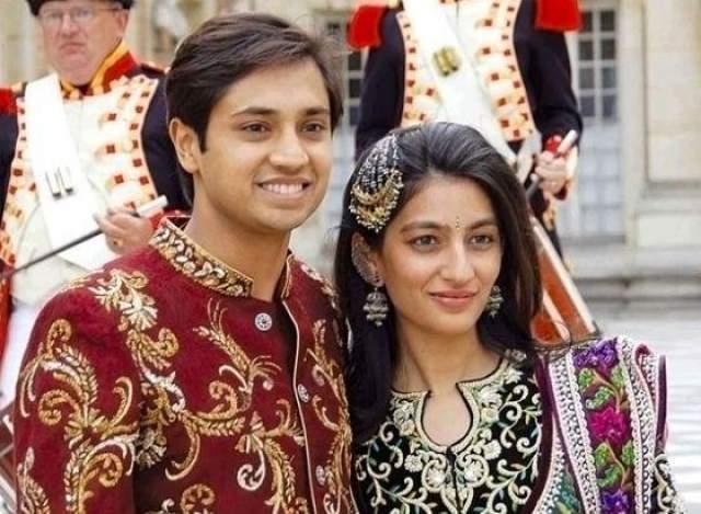 В 2004 году Миттал вышла замуж за инвестиционного банкира Амита Бхатию - свадьбу общей стоимостью $60 млн праздновали неделю. Через полгода девушка подала на развод.