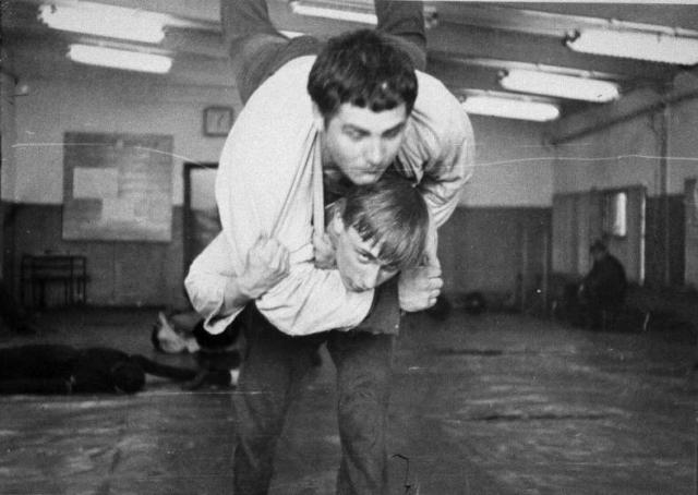 В 1973 году Путин стал мастером спорта по самбо, в 1975 г. - по дзюдо.