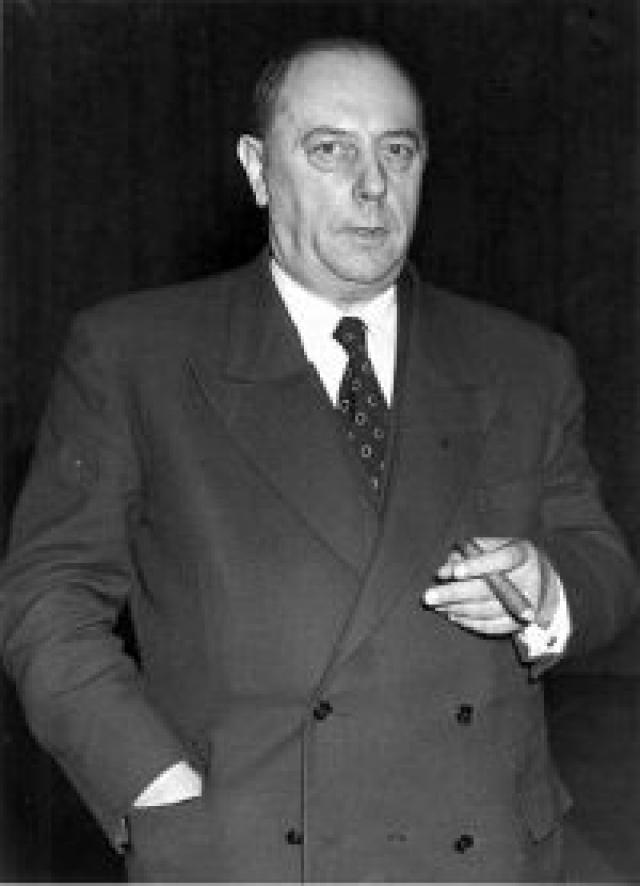 Генерал-майор медицинской службы Вальтер Шрайбер возглавлял нацистскую медицинскую программу, частью которой была серия опытов над пленниками, содержащимися в концлагерях. Их заставляли пытать своих товарищей, в противном случае их морили голодом.