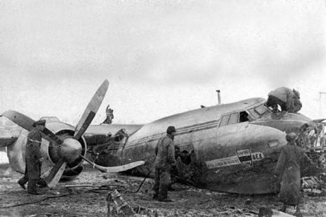 Но капитан Тейн не хотел выбиваться из графика и отказался остаться в Мюнхене на ночь, решив предпринять третью попытку взлета, которая стала фатальной.
