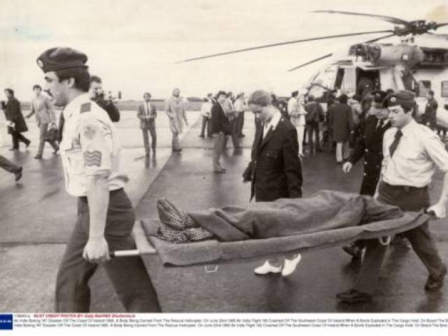 В 08:30 диспетчеры сообщили судам береговой охраны об исчезновении пассажирского самолета.