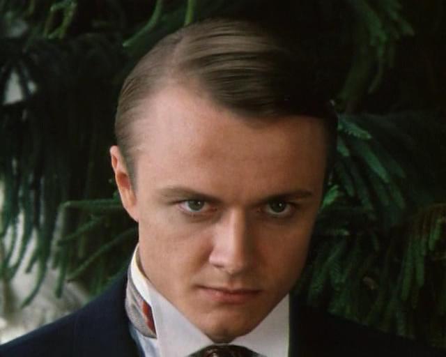 """Его карьера развивалась очень успешно - с Сергеем Жигуновым и Дмитрием Харатьяном он сыграл в картине """"Гардемарины, вперед!"""", позднее, с ними же, - в приключенческом сериале """"Сердца трех""""."""