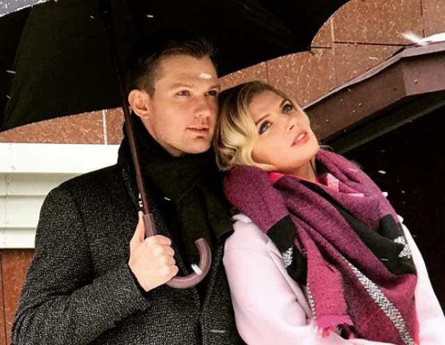"""В итоге отношения закончились разрывом в декабре 2015 года. Теперь Задорожная выкладывает снимки с новым возлюбленным - Владимиром Гориславцем. Недавно она призналась, что замуж она просто не хочет, а в личной жизни """"все ровно""""."""