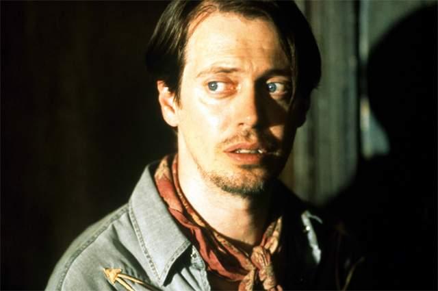 Несмотря на свою актерскую одаренность, на широких экранах он часто играет эпизодические и второплановые роли. Эксцентрик Бушеми также известен своими перевоплощениями в киллеров, бандитов и прочих криминальных персонажей.