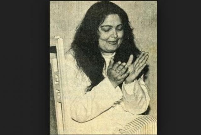 Она всю оставшуюся жизнь обвиняла многих иностранных гостей и артистов индийского кино в заговоре с целью ее убить.