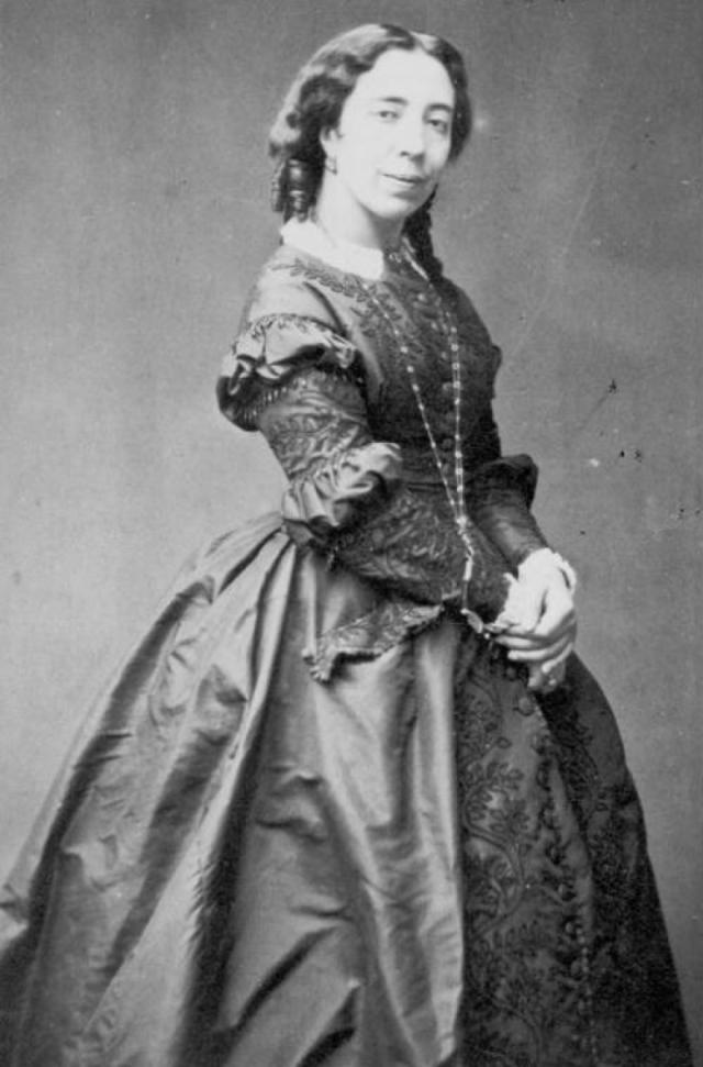 Русский писатель считался другом семьи своей возлюбленной, повсюду и всегда следовал за ней, терпел ее многочисленные романы, праздновал рождения ее детей. Так продолжалось 40 лет...