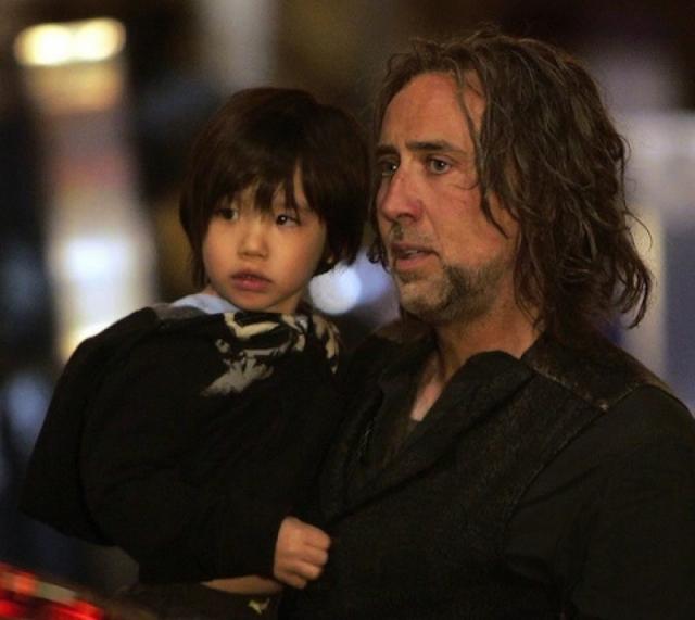 3 октября 2005 года Элис родила мальчика, который был назван Кэл-Эл. В прошлом году пара подала на развод.