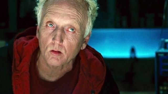 Роль изощренного убийцы во всех фильмах серии сыграл Тобин Белл .