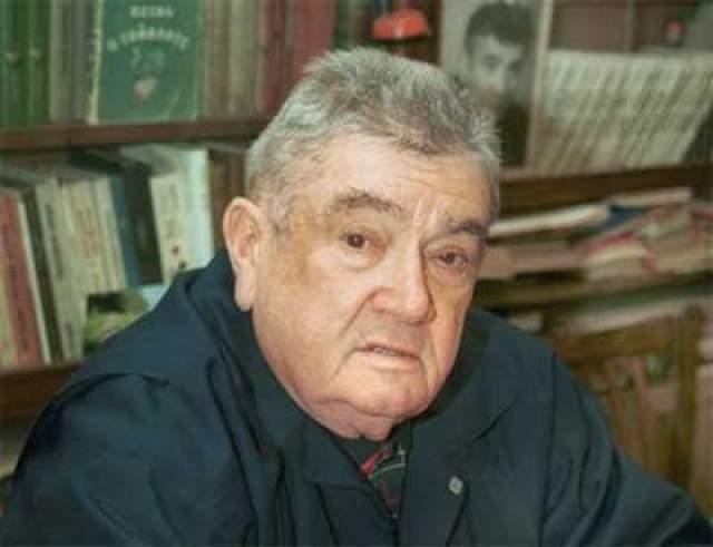 В последние годы жизни у Евгения Весника были проблемы со здоровьем: в 2005 году он перенес пневмонию, в 2009 году - инсульт, вскоре после которого скончался.