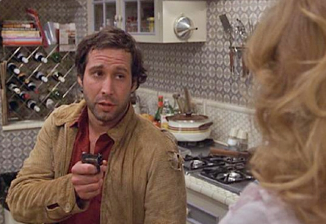 """Чеви Чейз. Актер чуть не стал жертвой электрического тока на съемках комедии """"Современные проблемы"""" в 1981 году."""