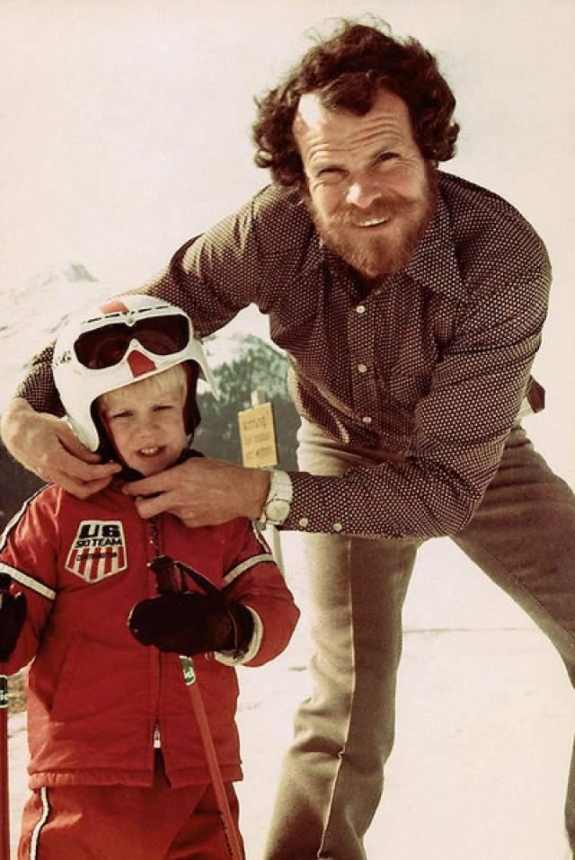 Норман Оллестад-младший. 11-летний ребенок стал примером поразительной выдержки и самообладания в экстремальной ситуации. 19 февраля 1979 года легкомоторный самолет, в котором летел отец Нормана со своей подругой, плюс пилот и сам Норман, разбился, врезавшись в гору на высоте 2,6 км.