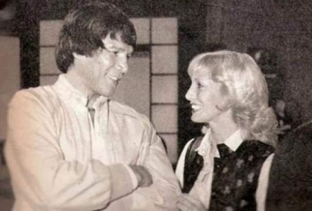 В 1988 году величайший аргентинский спортсмен был осужден за убийство своей третьей жены Алисии Муньис, которую он сбросил с балкона.