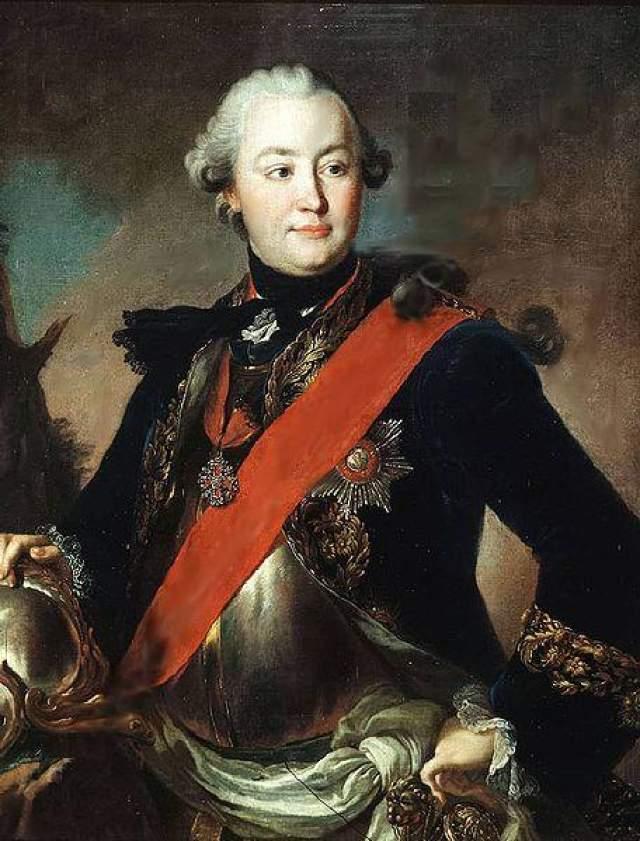 В попытках заполнить пустоту своей жизни она заводила интрижки с Сергеем Салтыковым, графом Понятковским, Григорием Орловым. Причем последний имел на императрицу огромное влияние.