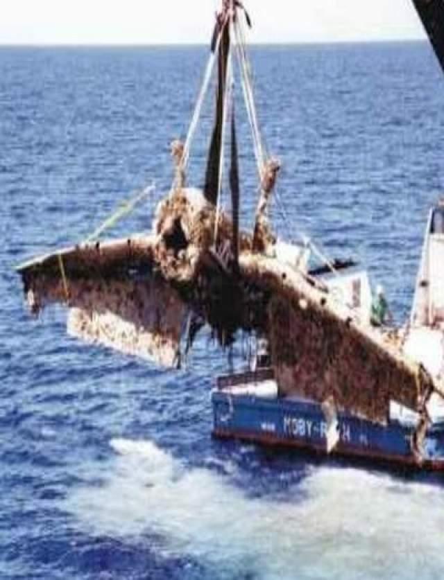 """Кстати, в 2010 году поисковое судно """"Дип Си"""" обнаружило четверку """"Эвенджеров"""", лежащих строем на глубине 250 метров в 20 километрах северо-восточнее Форт-Лодердейла. Пятый торпедоносец-бомбардировщик лежал в двух километрах от места крушения."""