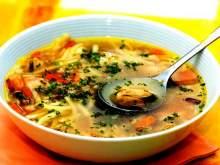 Эксперты назвали самый вредный и самый полезный российские супы
