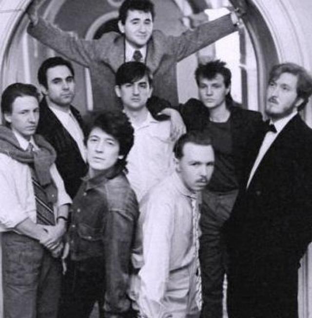"""""""Бригада С"""" . В январе 1984 года группу основали вокалист Гарик Сукачев и Сергей Галанин."""