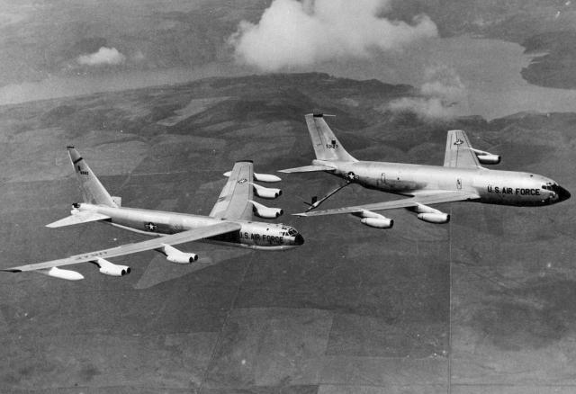 28 августа 1963 года 2 военных самолета КС-135 пролетая в 450 км от Бермудских островов подали стандартное сообщение и больше не выходили на связь.
