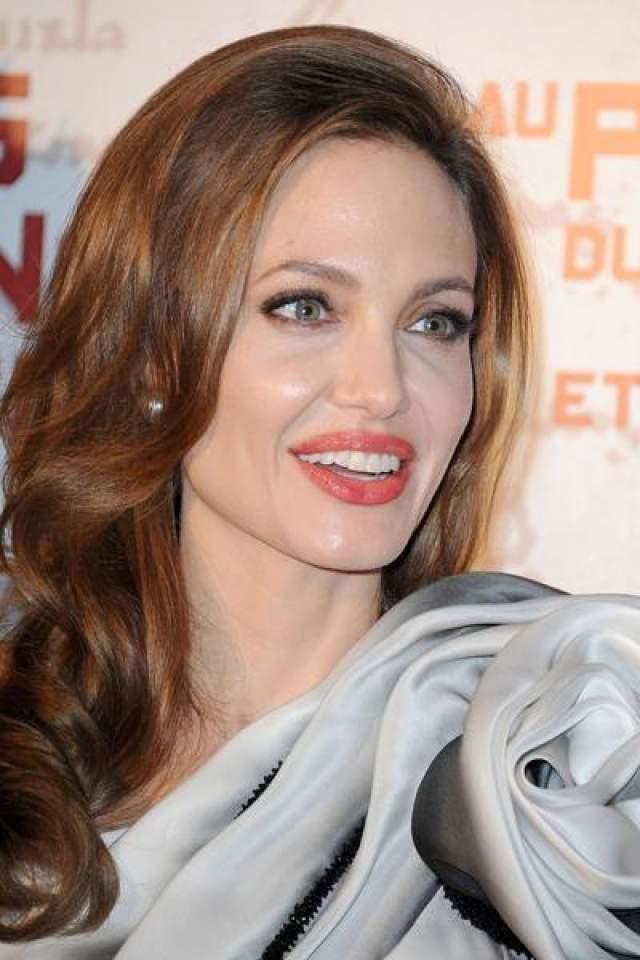 Анджелина Джоли Американская актриса IQ=118