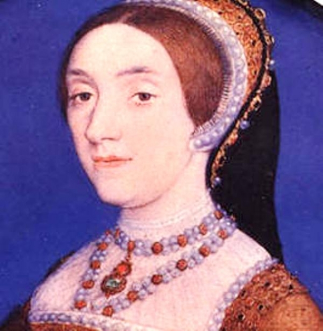 Жена №5 - Кэтрин Ховард (кстати, кузина Болейн) была уличена в измене и казнена. Последней благоверной короля, Екатерине Парр, повезло: она пережила своего мужа.