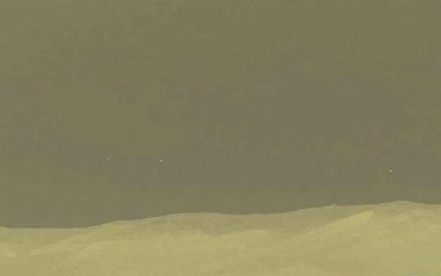 НЛО над марсианским горизонтом, снятые в 2012 году.