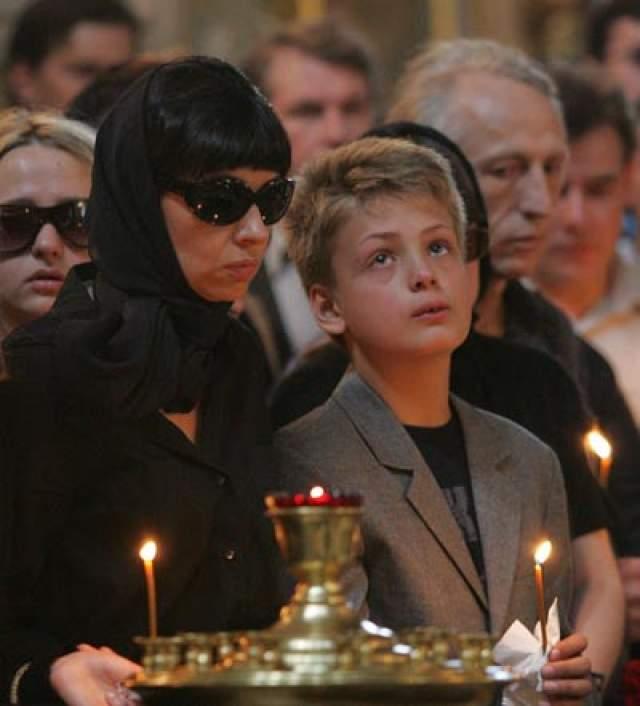 Пара развелась незадолго после рождения сына Ивана. Сам Разбаш скончался скончался от сердечного приступа в ночь на 23 июля 2006 года в Москве.