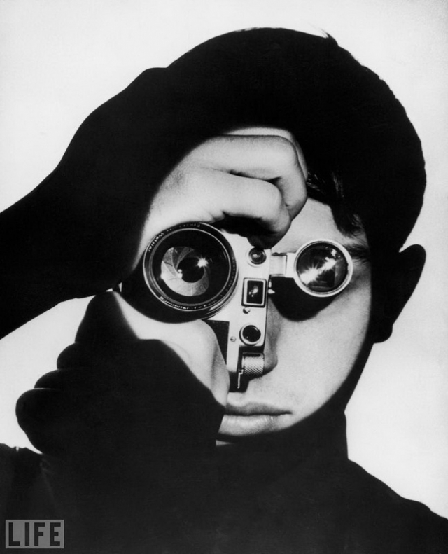 Dennis Stock (Andreas Feininger, 1951). Портрет фотографа Денниса Стока – классика фотографии.